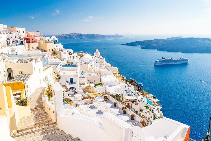 Vacanta in Santorini, Grecia, doar 175 euro (zbor + cazare 5 nopti)!!!