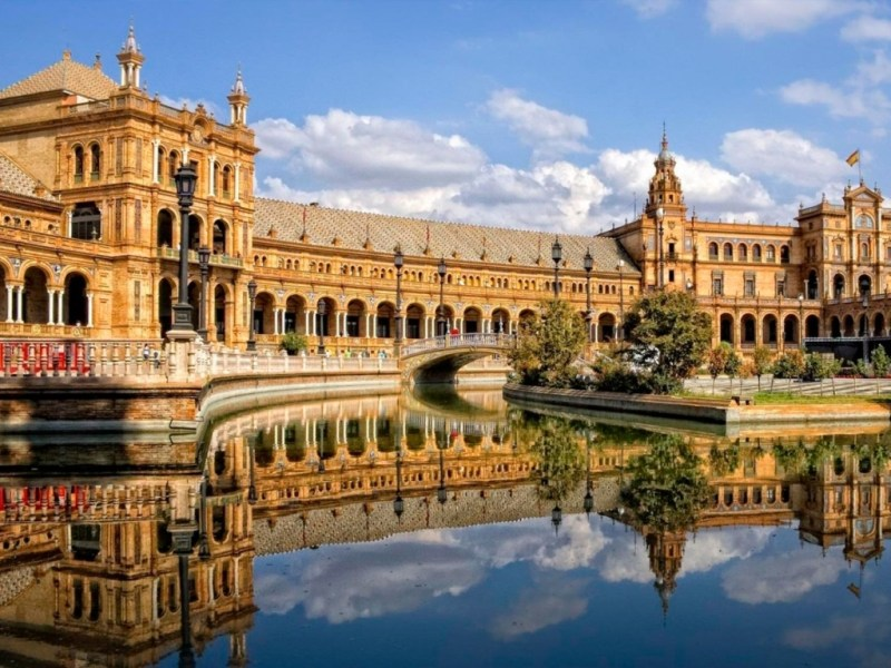 Weekend prelungit in Sevilla, Spania!! doar 92 euro (zbor si cazare 3 nopti)