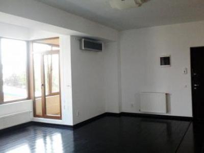 inchiriez apartament 3 camere zona Baneasa
