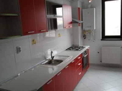 Apartament 3 camere, zona Berceni