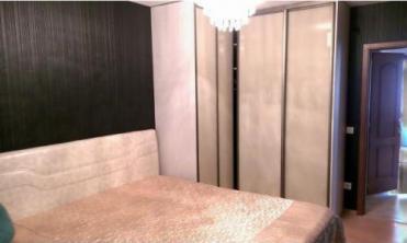 Vand apartament 3 camere semidecomandat