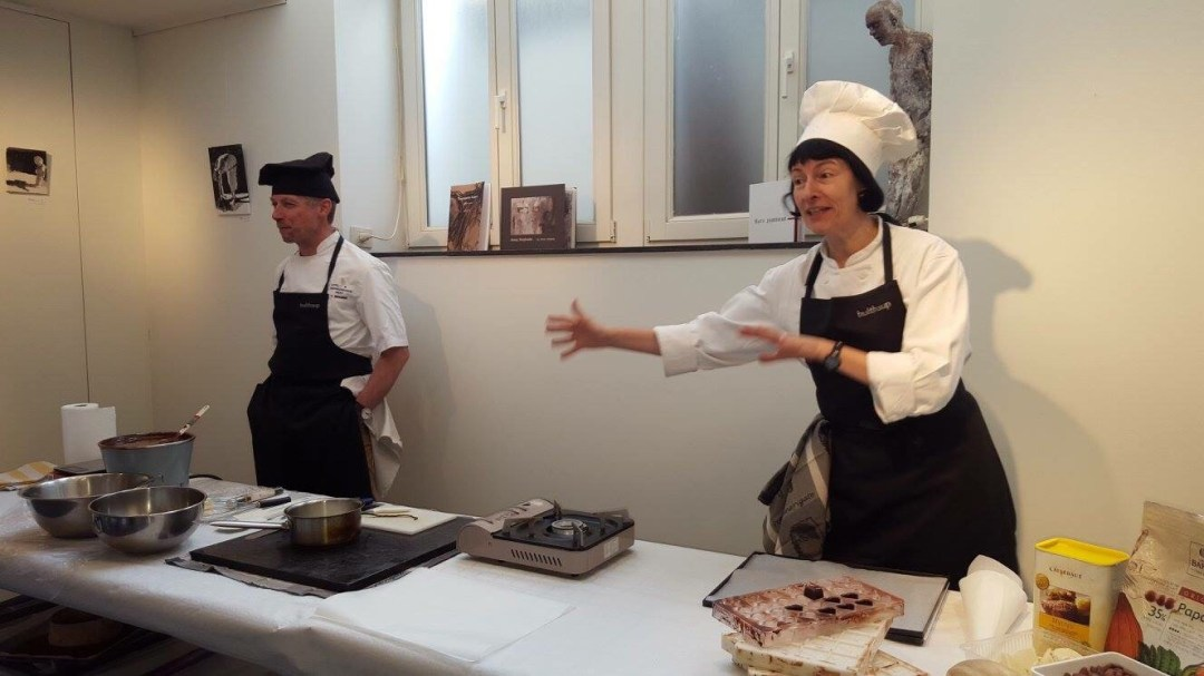Chocolate making lesson in Ghent