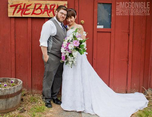 barn-wedding-couple
