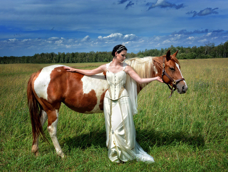 Starkers Corsets on Offbeat Bride