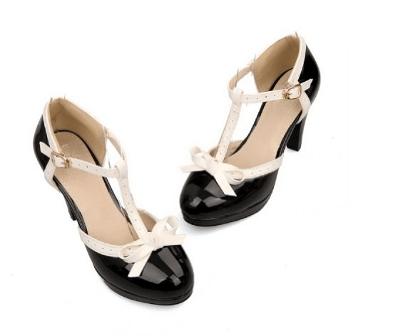 tstrap black and white shoes on offbeat bride
