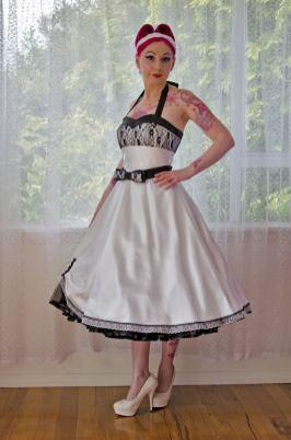 PixiePocket Rockabilly 1950s wedding dresses on offbeat bride (10)