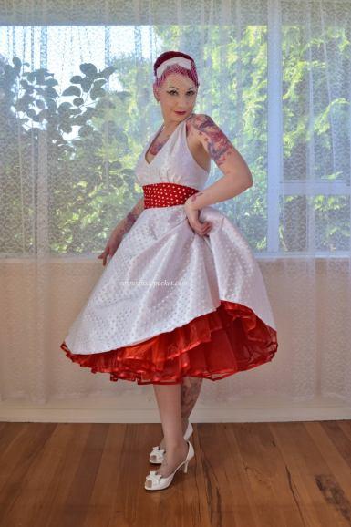 PixiePocket Rockabilly 1950s wedding dresses on offbeat bride (4)