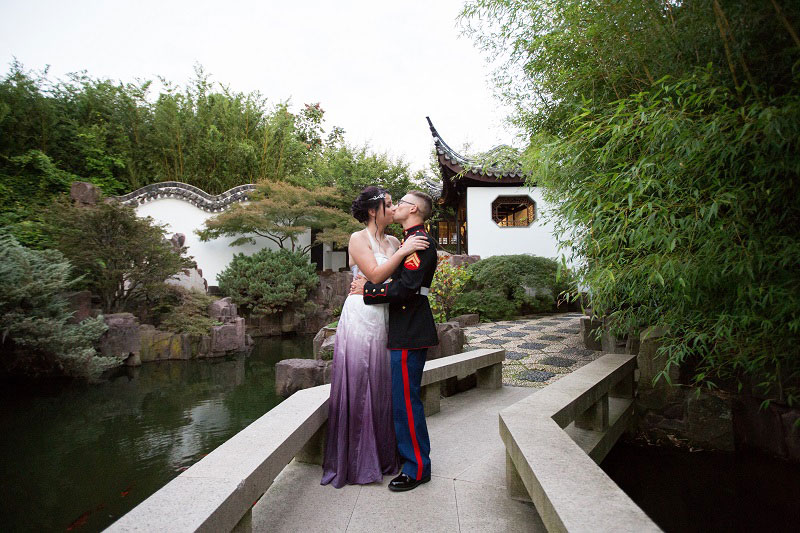 A gorgeous wedding with influences of military travels