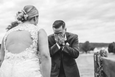 This visual storyteller delivers some of the most stunning wedding photos ever (and can do the same for you!)