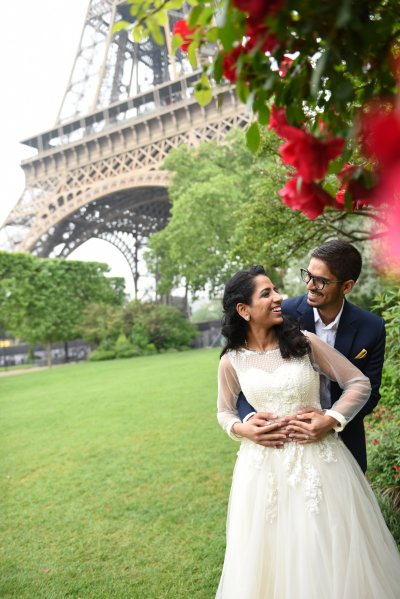 Hearts are full after seeing the family candy jar ceremony at this Paris vow renewal