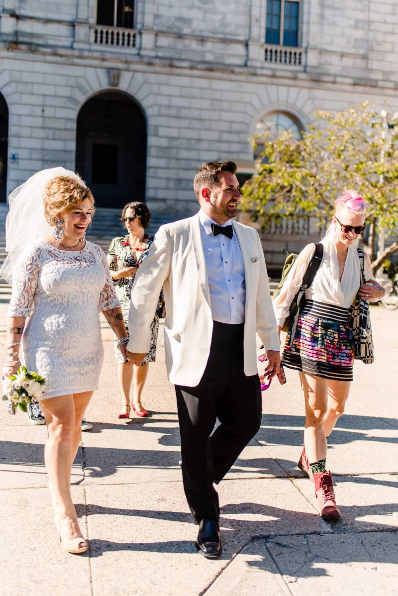 This urban swinger-vibe microwedding had '60s style, beer, & lots of makeouts