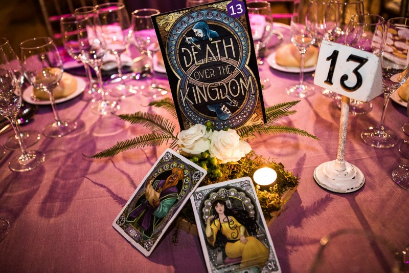 Board games & heavy metal at this Madrid wedding muy divertido