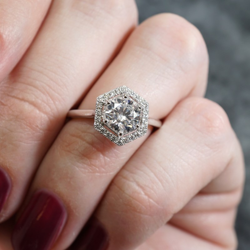 How unique engagement rings are ideal for creative couples (who want to make them their own!)