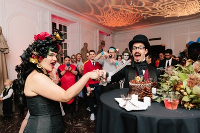 A chic & macabre Halloween wedding at the International Museum of Surgical Science