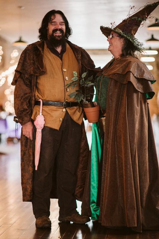 Costumes & skellies abound at this Washington Halloween wedding