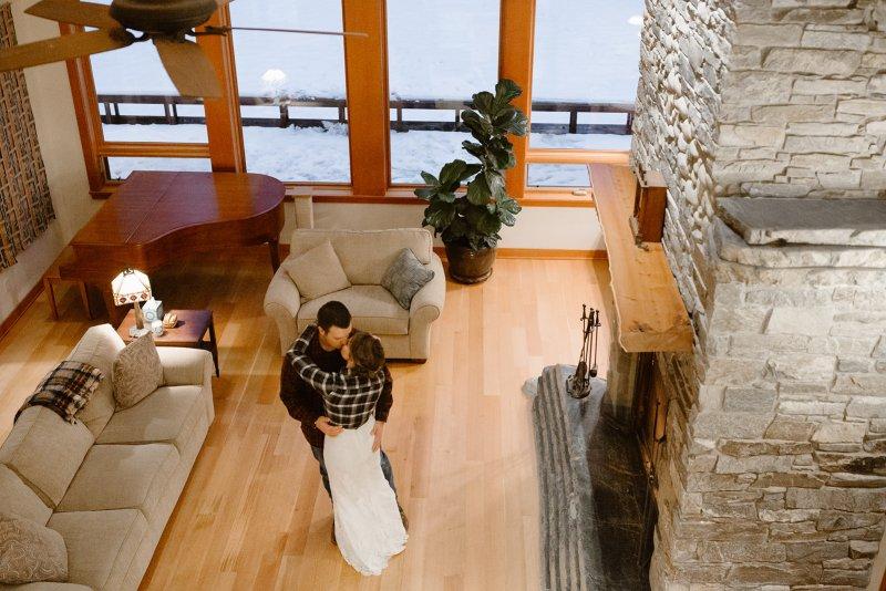 An unexpectedly snowy Washington elopement with a last minute venue swap