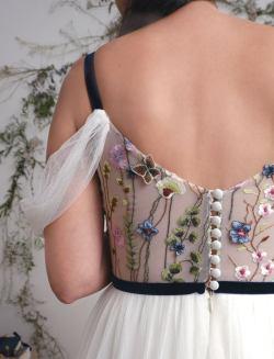 AbigailofGardenia embroidered wedding dress on Offbeat Bride (6)