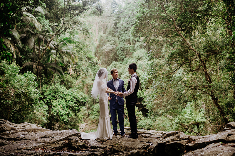 We are shooketh by this sunlit forest elopement in Cougal Cascades
