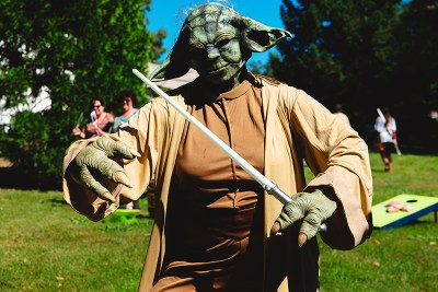 Star Wars meets Lord of the Rings at this meaningful Jewish wedding