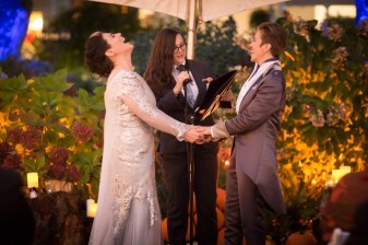 Seattle-Offbeat-Wedding-Photographer-Danielle-Barnum-10-2