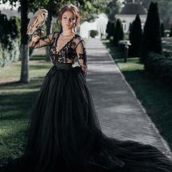 Black Tulle wedding dress by Julia Miren Dresses on offbeat bride