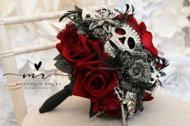 Halloween wedding bouquet from Maddison Rocks