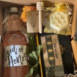 bridesmaid boxes on offbeat bride
