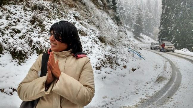 Gulmarg snowfall, Tourist places in Kashmir, Jammu & Kashmir Tourism. Gulmarg Snowfall, Sinagar to Gulmarg, Gulmarg Gondola