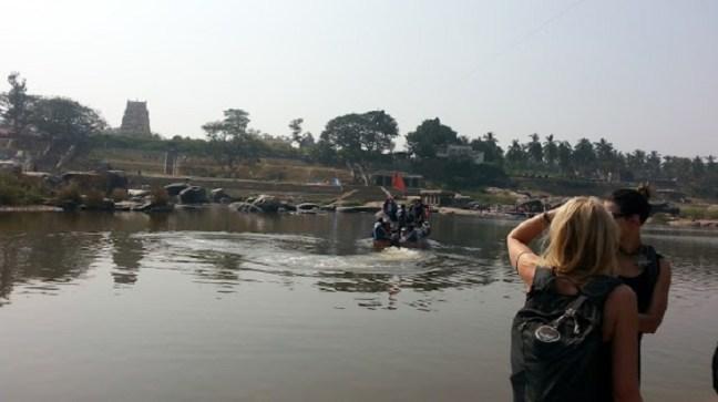 Hampi Trip, Crossing the river, Hampi Temples, Hampi Runis