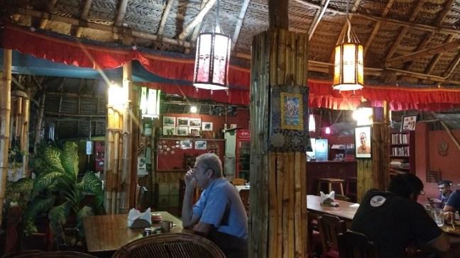 Le Yogi Cafe, Mahabalipuram: A perfect destination, Places to visit in Mahabalipuram India, Mahabalipuram temple, mamallapuram tourism, Mahabalipuram Shore Temple, Mahabalipuram beach, Chennai Mahabalipuram, Tamilnadu rock temples, five rathas, crocodile park mahabalipuram, dakshinachitra, dakshin chitra, Krishna butterball, arjuna's penance panch rathas