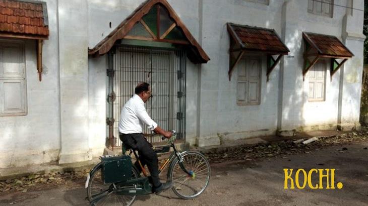 Kochi India, Cochin Kerala India, Kochi tourism, best places to visit in Kochi, Ernakulam, Fort Kochi, Fort Cochin, Cochin Pardeshi Mattancherry Synagogue, Jewish town Kochi, Kochi in a day, Kochi on a tuk tuk, Thirumala Devaswom temple, St. Francis Church, Santa Cruz Basilica, Jew Town- Paradesi Synagogue-Jewish Cemetry, Mattancherry Palace, Chinese Fishing Nets, Kochi Ferry,
