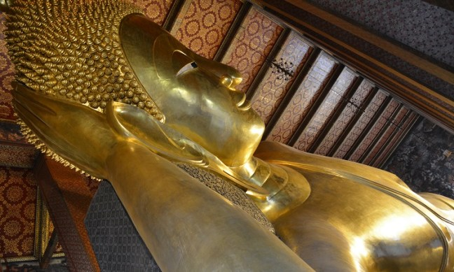 Visit Wat Pho/Wat Po (วัดโพธิ์กรุงเทพฯ) Temple in Bangkok Thailand: Temple of Reclining Buddha/Sleeping Buddha/Resting Buddha/Big Buddha Bangkok, Wat Pho Thai Massage School Course for traditionelle thai massage, Wat Arun Temple Bangkok (วัดอรุณราชวราราม) views from Chao Phraya River – Places to visit in Bangkok