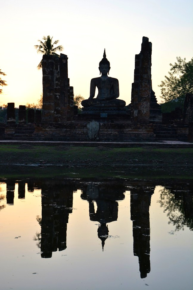 Wat Mahathat at Sukhothai Historical Park (Angkor Wat of Thailand) tour blog with details for opening hours, entrance fee and how to get there -Thailand back-packing trip