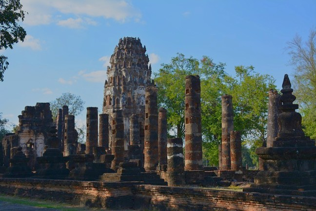 Wat Phra Phai Luang at Sukhothai Historical Park (Angkor Wat of Thailand) tour blog with details for opening hours, entrance fee and how to get there -Thailand back-packing trip