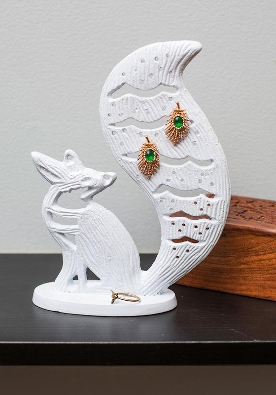 The most helpful bathroom buddy ever?: Clever Keepsake Jewelry Holder -- $27.99