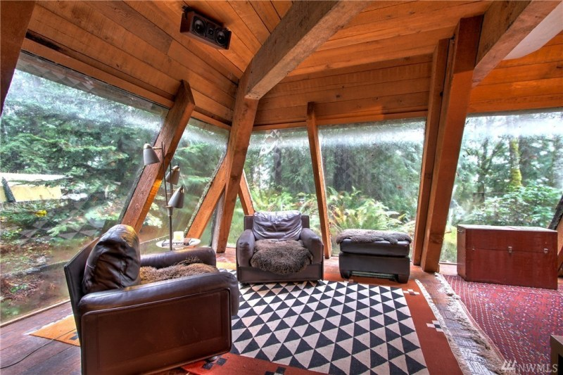 I will also lose my shit over floor-to-ceiling windows that look out over lush woods. So there shall be a lot of shit-losing in this post...