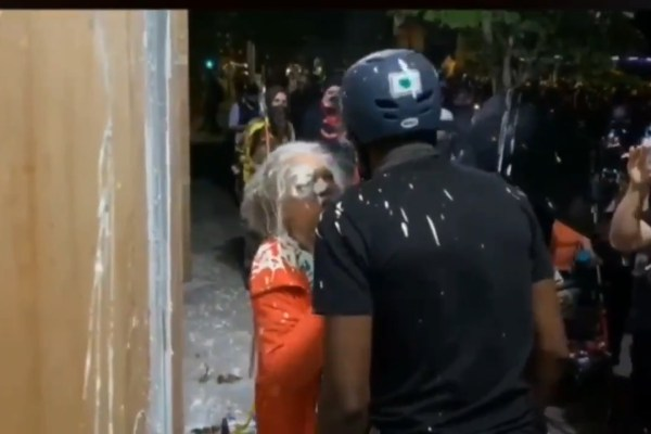 Rioters Attack Older Woman Who Tries to Stop East Precinct From Being Attacked on 2nd Night