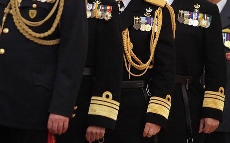υφασματινη-στολη-στρατου-στρατιωτη-στρατιωτικου