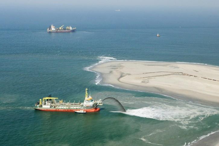 netherlands-sand-engine.jpg