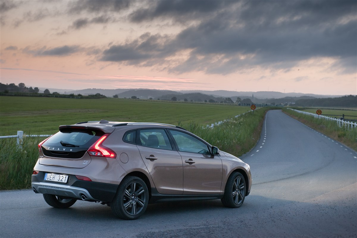 Volvo - Cross country 1.6 d2 business - 1595234 - Resicar - 09
