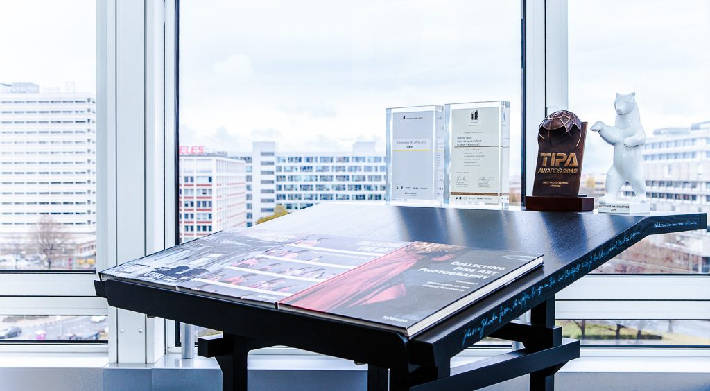 Lumas White Wall officedropin.com 7 1024x564 INSIDE LUMAS & WhiteWallS HQ OFFICE IN BERLIN