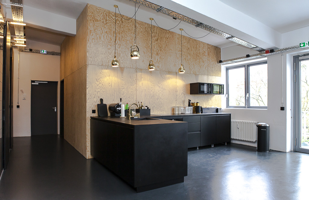Regiocast Office Berlin Officedropin Andreas Lukoschek 0131 A TOUR OF REGIOCASTS OFFICE IN BERLIN