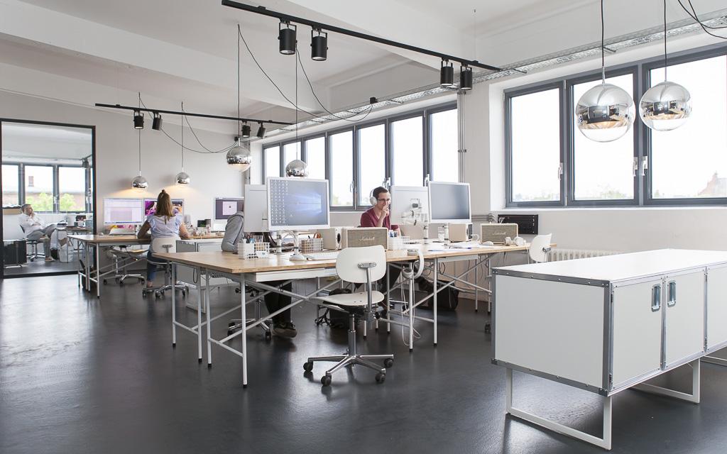 Regiocast Office Berlin Officedropin Andreas Lukoschek 0190 A TOUR OF REGIOCASTS OFFICE IN BERLIN