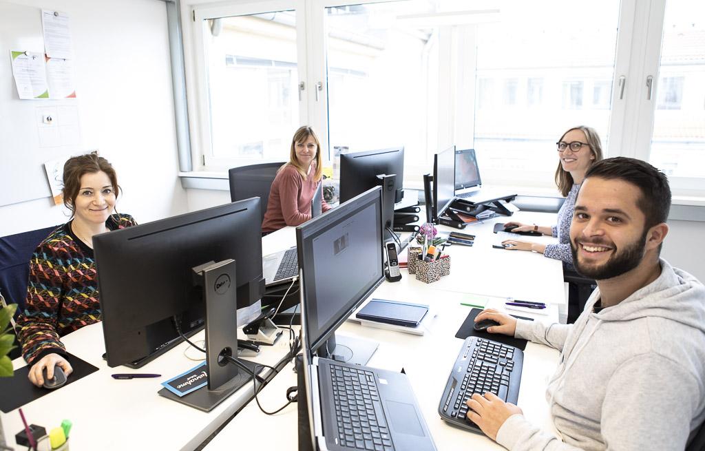 schoesslers officedropin 0956 A TOUR OF SCHOESSLERS OFFICE IN BERLIN