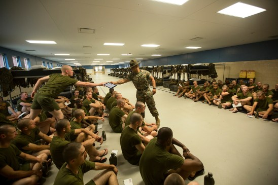 drill-instructor-ipad-quantico-parris-island-training