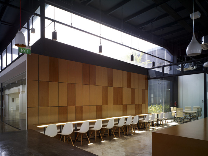 06A of 10 Staff Lounge HGmetal-CF029979