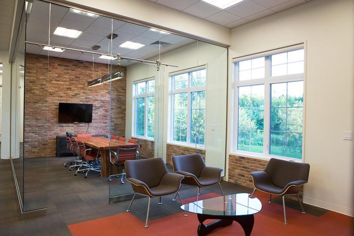 12.Officewaitingboardroom