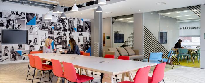 MoreySmith_PrimarkHQ_meetingroom