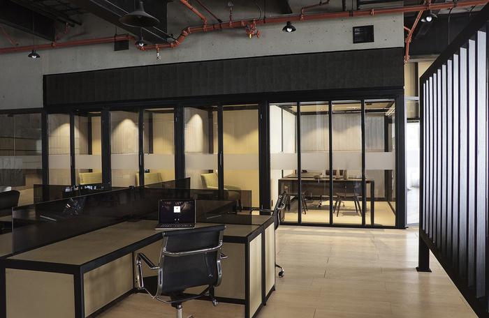 bridge-business-center-office-design-1