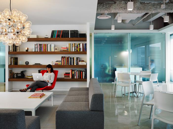 pivot-office-chicago-office-design-6